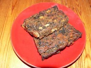 Seitanhackbraten mit Champignon, Tofu und Spinat